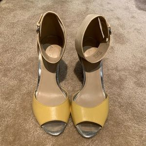 Aldo yellow and beige ankle strap heels
